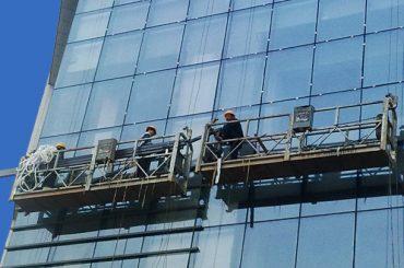 100m - plataformas suspendidas 220m do acesso de 300m para a pintura alta da construção da ascensão